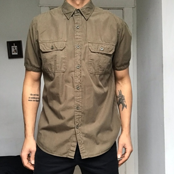 d2fa41315c Olive Green Double Pocket Button Front Camp Shirt.  M 5b6225d0aa8770e93e88999f